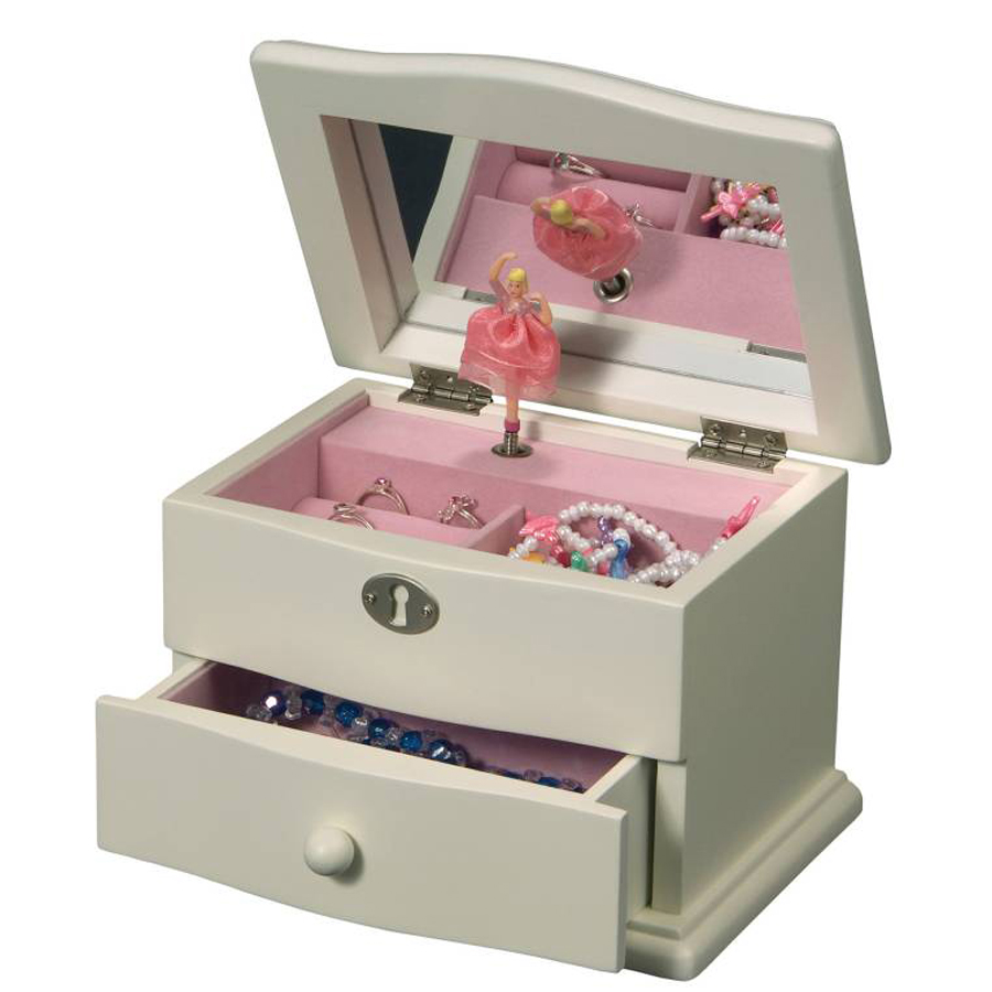 Marianne-Musical-Jewelry-Box-opened