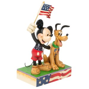 Mickey-Pluto-Patriotic-angle-view