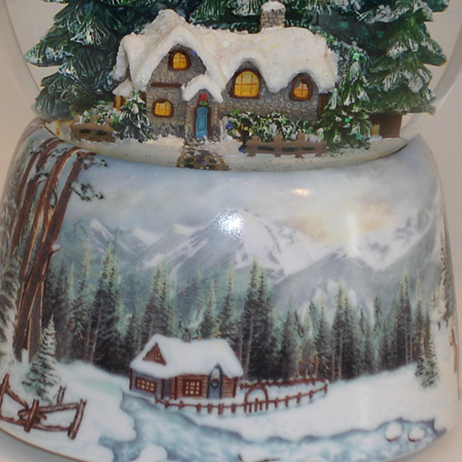 Winter-cabin-Snow-Globe-base-close-up
