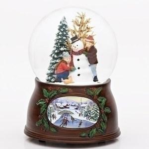 Building-a-Snowman-Snow-Globe