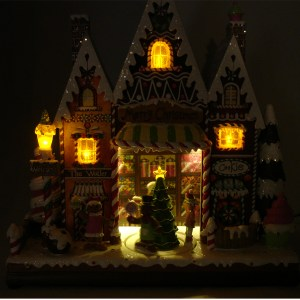 Gingerbread-Candy-House-Night-View