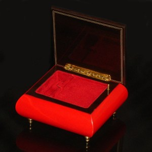 Italian-Inlay-Ring-Box-Red-open