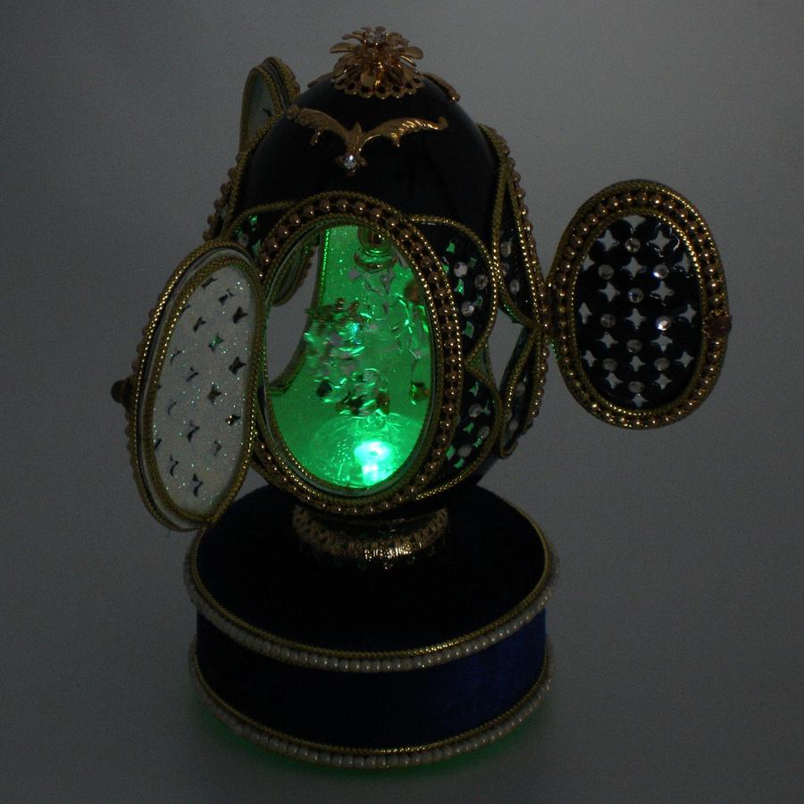 Crystal-Carousel-Egg-green