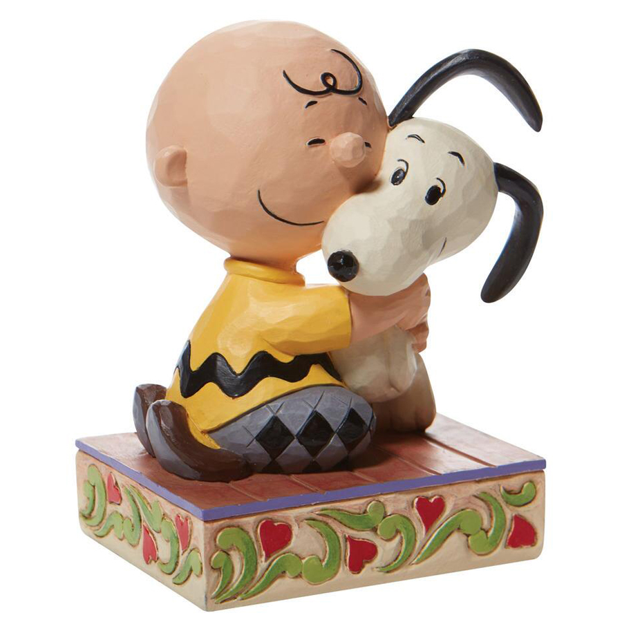 Charlie-Hugs-Snoopy-Right-View