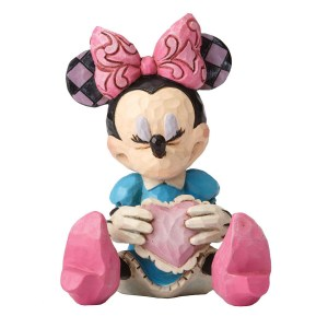 Minnie-Mouse-with-Heart-mini-figurine