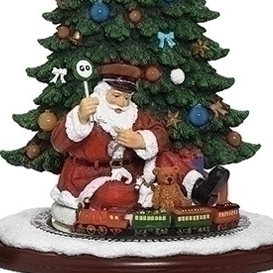 Santa-Tree-and-Train-close-up