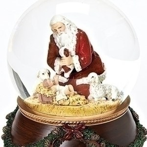 Santa-Nativity-Wreath-close-up