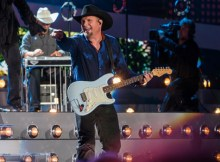 Garth Brooks Yankee Stadium Live