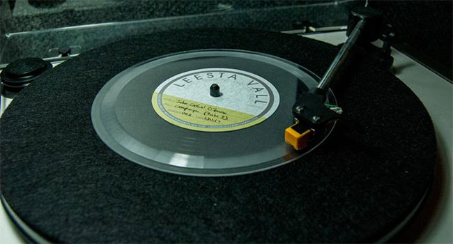 Leesta Vall Direct-To-Vinyl Office Sessions