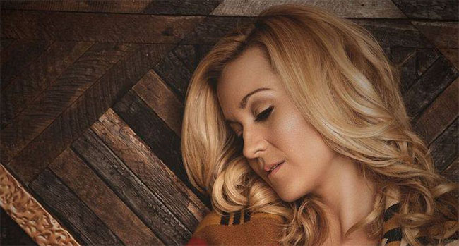 Kellie Pickler - If It Wasn't For A Woman