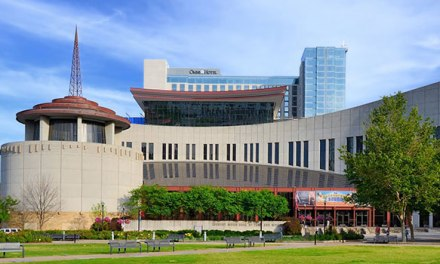 Country Music Hall of Fame offering free admission to armed services