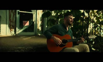 Sam Hunt releases 'Breaking Up Was Easy in the 90's' video