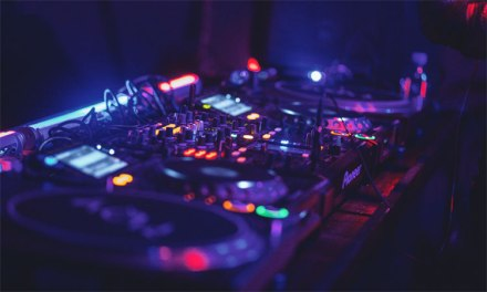 Four things you should know about DJ controllers