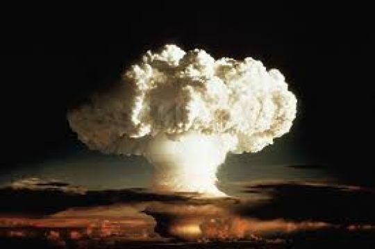Nuclear bomb cloud