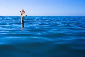 Lady jumps into river Jhelum, survives