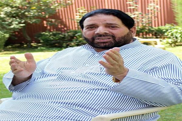 Hakeem Yaseen for joint initiative of Mainstream-Hurriyat to end bloodshed in Kashmir