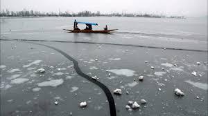 Srinagar freezes at minus 6.6 degree Celsius as cold wave grips Kashmir