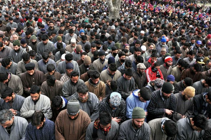 Thousands attend funeral of slain militant, civilian in Pulwama
