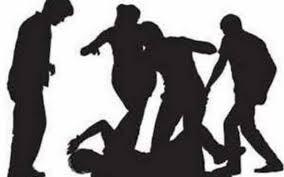 Two Kashmiri shawl vendors attacked in train: Police