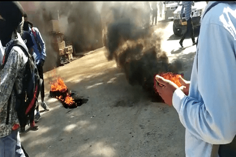 Protest in Tral against thrashing of Sikh driver in Delhi