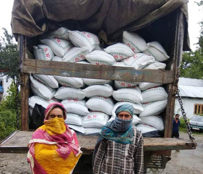 Police seizes 200 bags of subsidized rice in Kulgam, two arrested