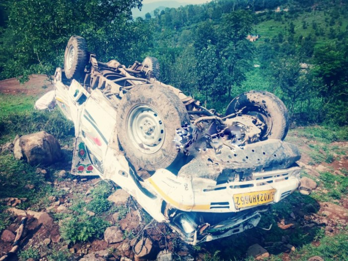 One dead, eight injured in Poonch road accident