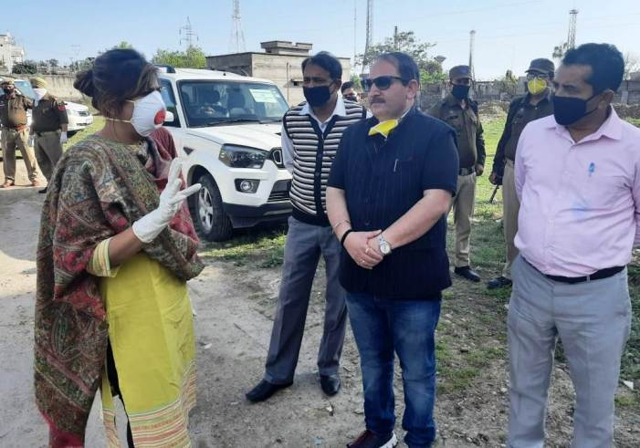 MD JPDCL visits quarantine centers at Jammu