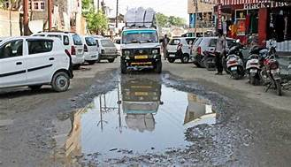 2 city road projects hit roadblock due to paucity of funds
