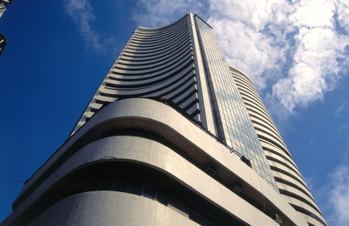 Sensex, Nifty extend gains as govt may announce stimulus package
