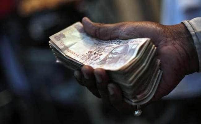 I/C works in BDO office arrested in bribe case in central Kashmir