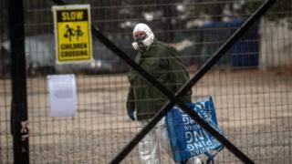 Coronavirus: Second Greek migrant facility quarantined