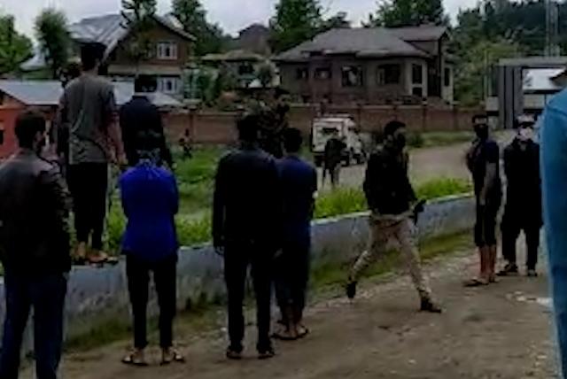 Police beat up girl at quarantine facility in Budgam, say eyewitnesses
