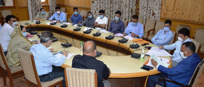 Div Com reviews measures undertaken to curb encroachments, prevent illegal constructions around Dal, Nigeen Lake