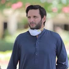 Shahid Afridi tests positive for COVID-19, seeks prayers