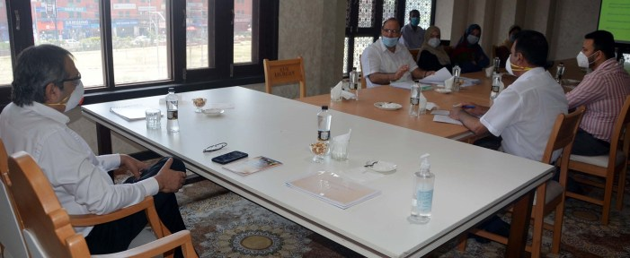 Advisor Baseer Khan visits SPS Library; Emphasises introduction of modern facilities
