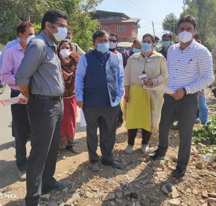 Dheeraj Gupta inspects sites for development of affordable housing in Srinagar