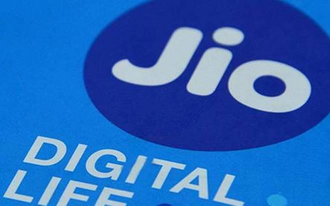 Reliance Jio begins in-flight mobile service