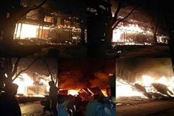 4 Residential houses gutted in fire in Srinagar, other Partially Damaged