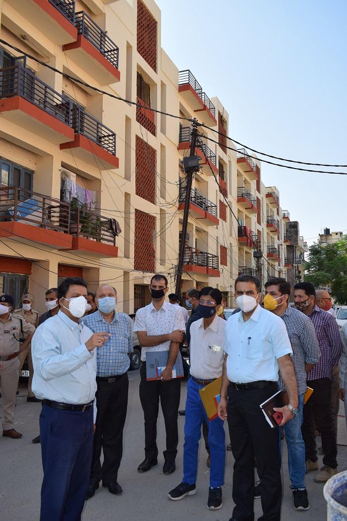 Div Com visits Civil Secretariat, Govt Quarters Inspects Darbar move arrangements