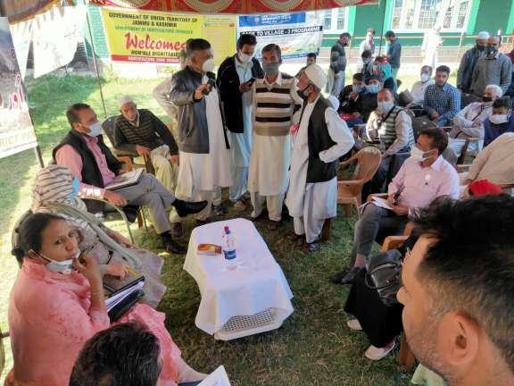 Day-3: B2V3 activities continue at Panzinara, Balhama Panchayat Halqas of Srinagar district