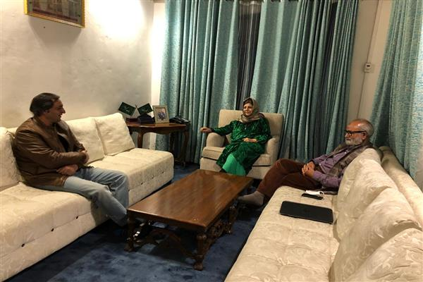 Sajad Lone calls on Mehbooba Mufti, discuss prevailing situation