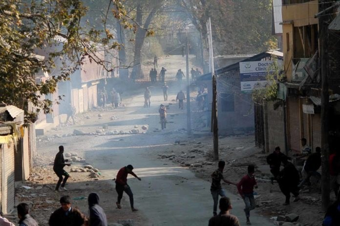 Clashes break out near gunfight site in south Kashmir's Pulwama