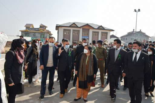 CJ visits district court Pulwama Interacts with officers, Bar Members