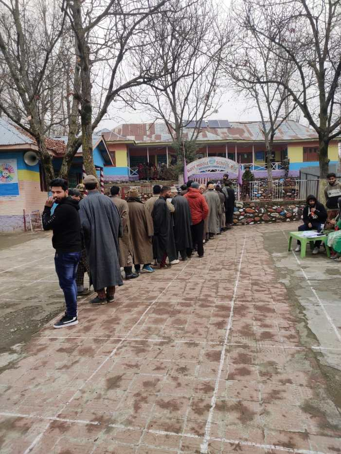 42 percent turnout till 1 pm in phase IV of J&K DDC polls