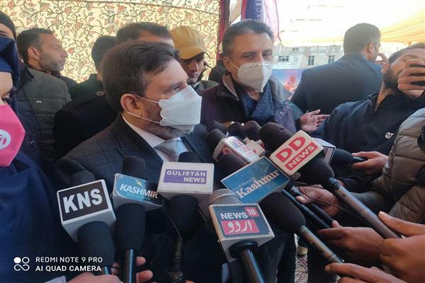 Elections, Kashmir problem two separate poles: Altaf Bukhari