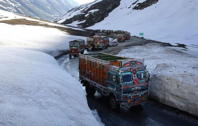 Kashmir highway to remain shut for five more days