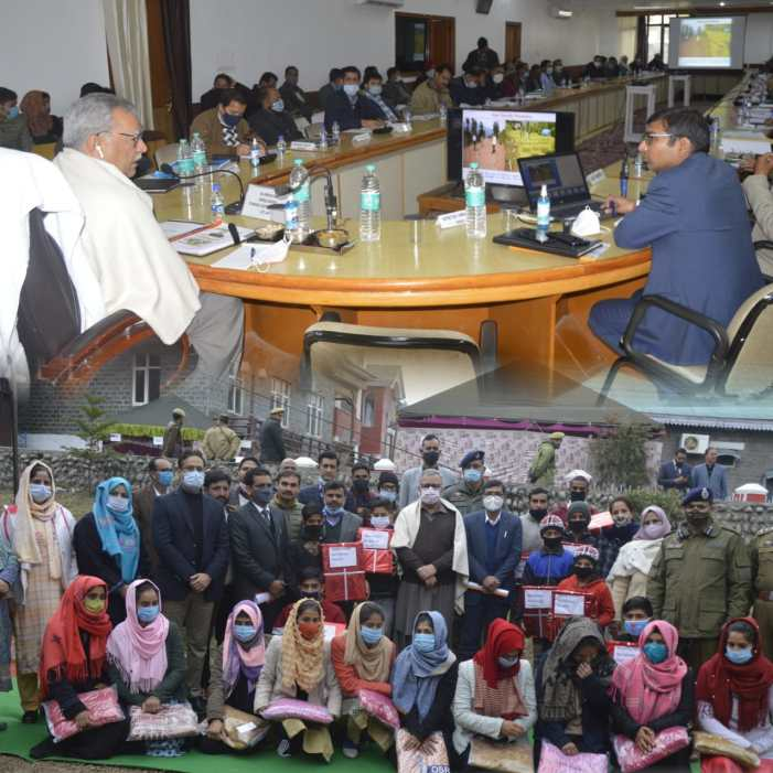 Advisor Farooq Khan visits Poonch; reviews development projects