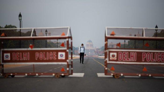 Delhi CM announces six day lockdown in Delhi starting Monday night