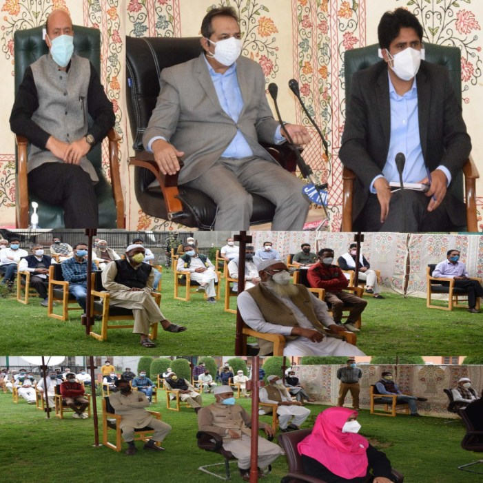 Advisor Baseer Khanreviews Covid control measures in Pulwama, Shopian districts