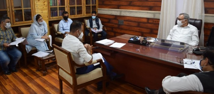 Deliver sports projects complete in all respects to public: Advisor Farooq Khan